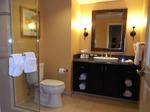 グランドワイキキアン客室バスルーム1.JPG
