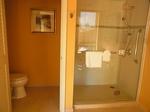 グランドワイキキアン602号室バスルーム2.JPG
