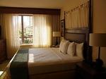 グランドワイキキアン602号室ベッドルーム2-1.JPG