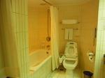サントスホテル(三徳大飯店)客室内バスルーム.JPG