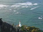 ダイヤモンドヘッド頂上付近から見た灯台.JPG