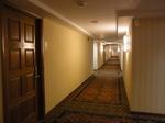 ヒルトンラグーンタワー15階フロアーの廊下.JPG