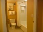 ヒルトンラグーンタワーL1568号室バスルーム.JPG