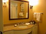 ヒルトンラグーンタワーL1568号室洗面台.JPG
