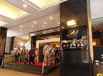 マカオメトロパークホテル入口2.JPG