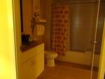 ラグーンタワー2ベッドルームプラスベッドルーム1のバスルーム.JPG