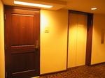 ラグーンタワーL1971号室ドア.JPG