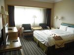 台北サントスホテル(三徳大飯店)客室ベッド1.JPG