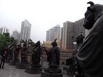 香港黄大仙寺院動物神立像群4.JPG
