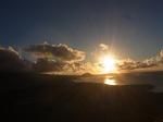 ダイヤモンドヘッド頂上から眺める日の出1.JPG