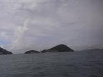 マカオ行きフェリーから望むビクトリア湾内の島々.JPG