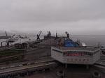 展望台から臨む大連港埠頭待合所.JPG